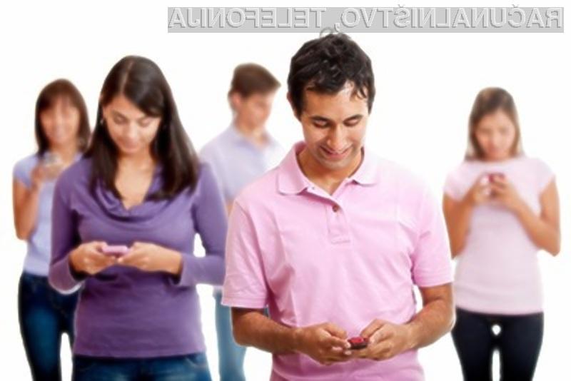 Nepravilna uporaba pametnega mobilnega telefona lahko trajno poškoduje vaše zapestje in celo vrat.