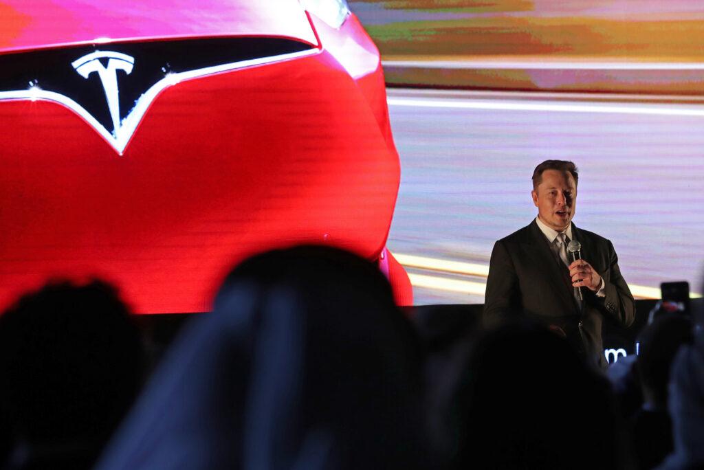 Tesla in AMD za samodejno vozače avtomobile!