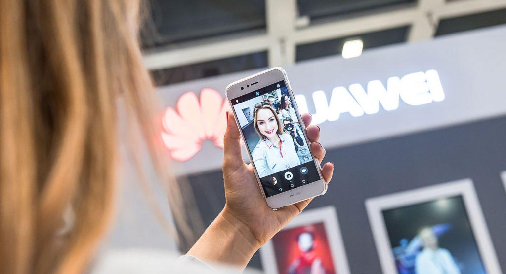 Huawei za uporabnike pametnih telefonov predstavil nov mobilni oblak za shranjevanje podatkov