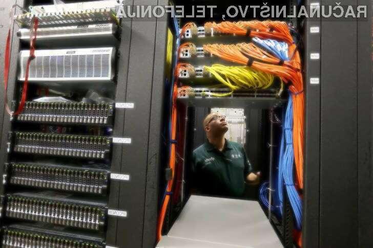 Kako lahko majhna napaka ugasne velik del interneta?