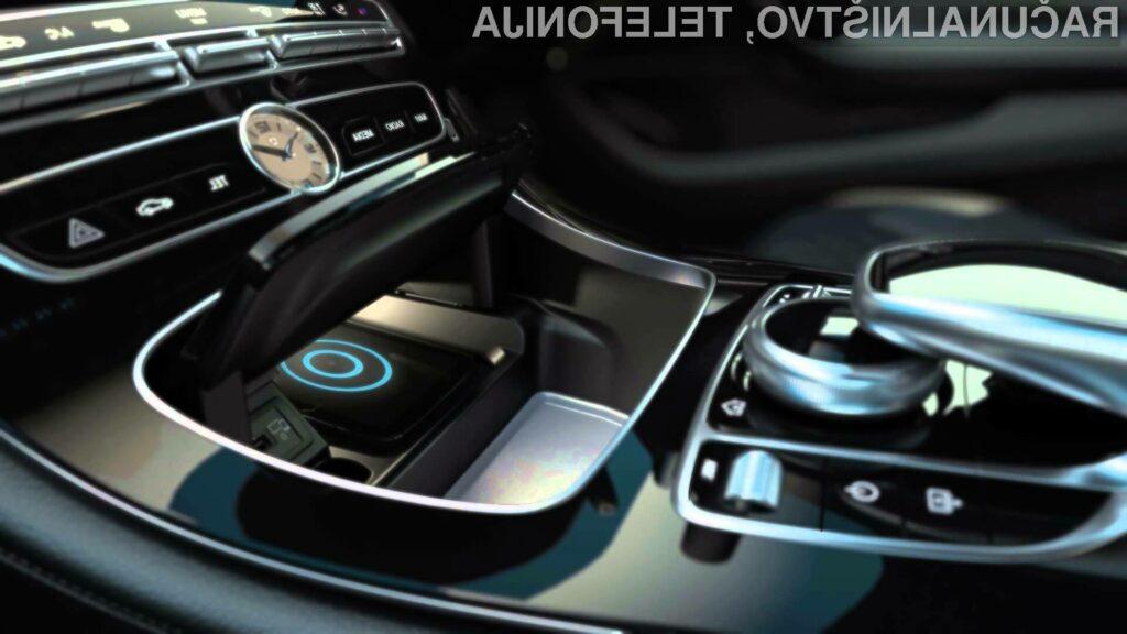 Apple in Mercedes v sporu zaradi telefona iPhone X