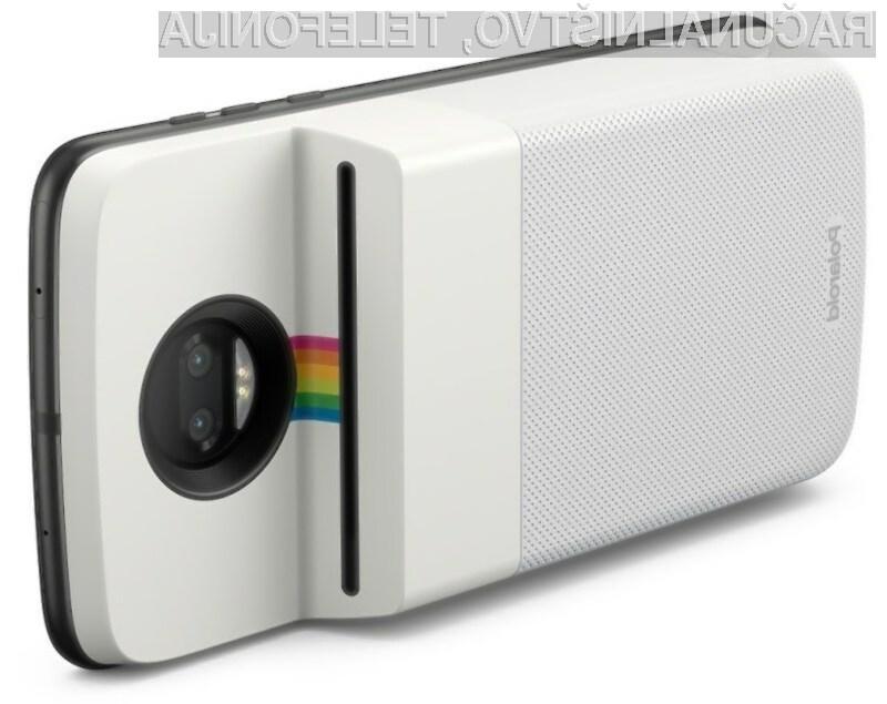 Tiskalnik Polaroid zajete fotografije natisne v manj kot minuti!