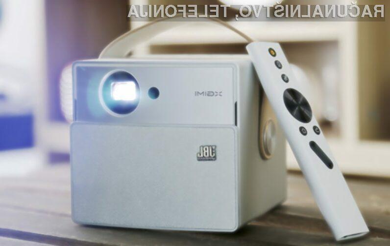 Prenosni projektor v katerega se boste takoj zaljubili