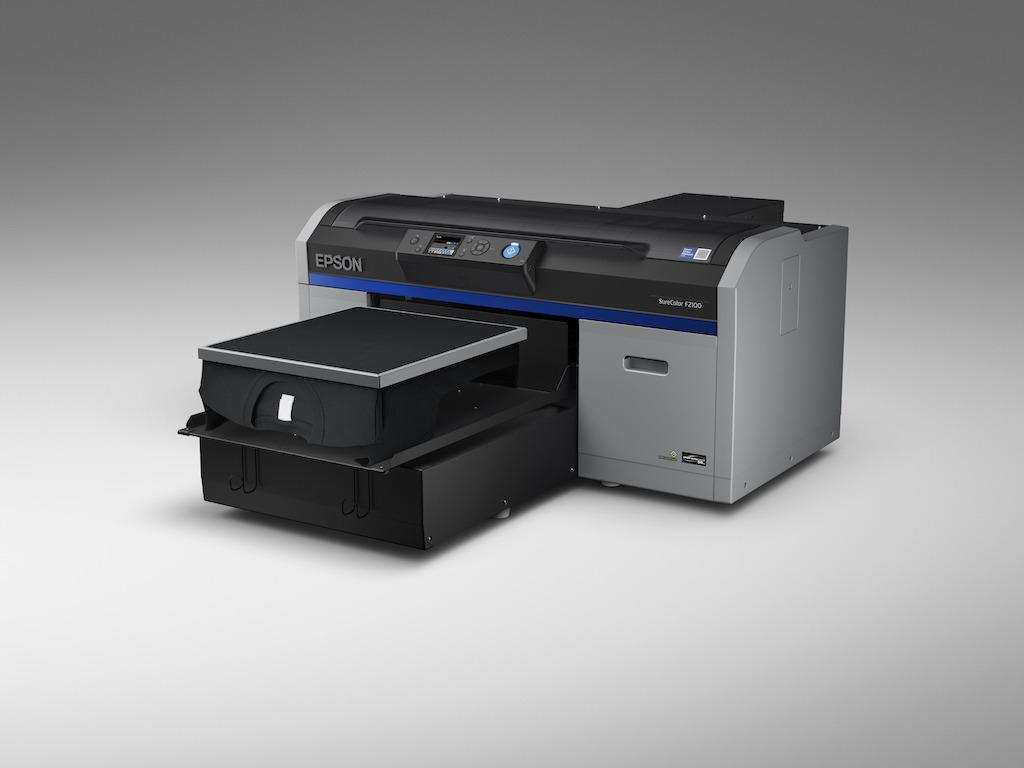 Epson najavil tiskalnik SureColor SC-F2100, ki tiska neposredno na oblačila