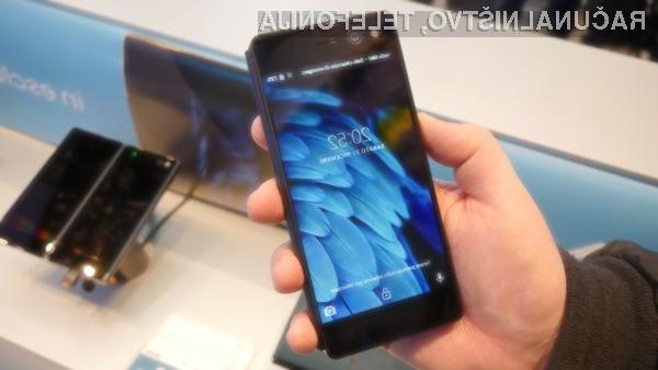 Za inovativni telefon ZTE Axon M je v Italiji treba odšteti slabih 900 evrov.