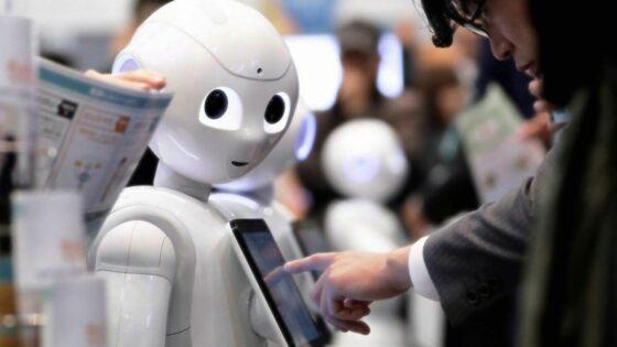 """Umetna inteligenca ne bo """"ukradla"""" naših služb, temveč nam bo celo pomagala"""