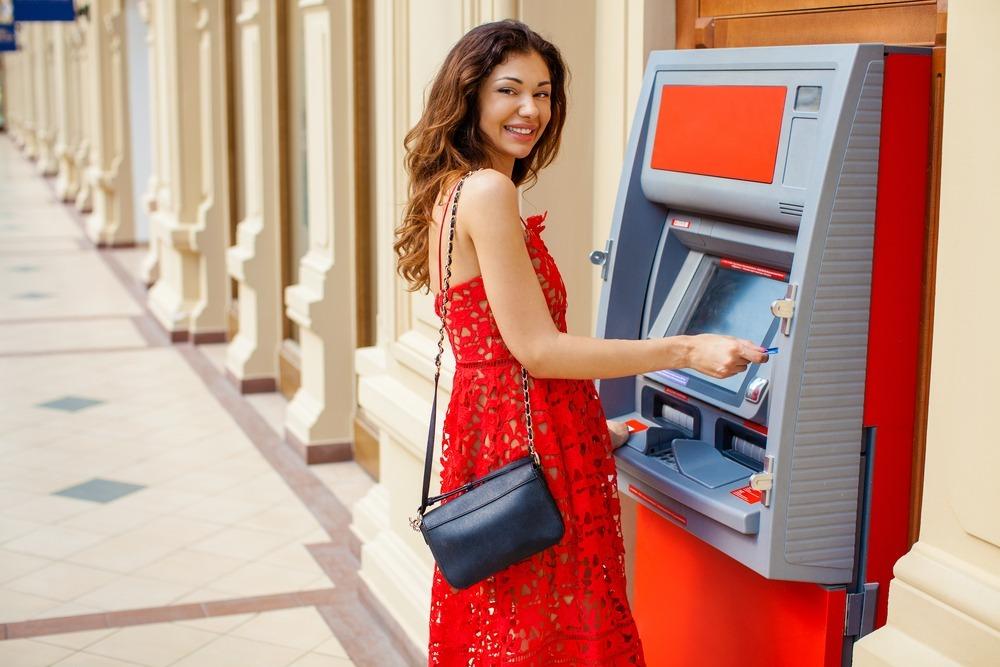 Test: kako na Hrvaškem dvigovati na bankomatih