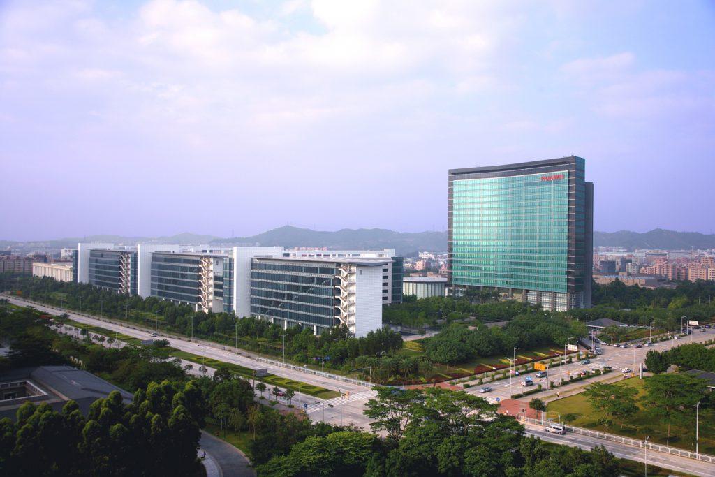 Huawei zazvzel drugo mesto