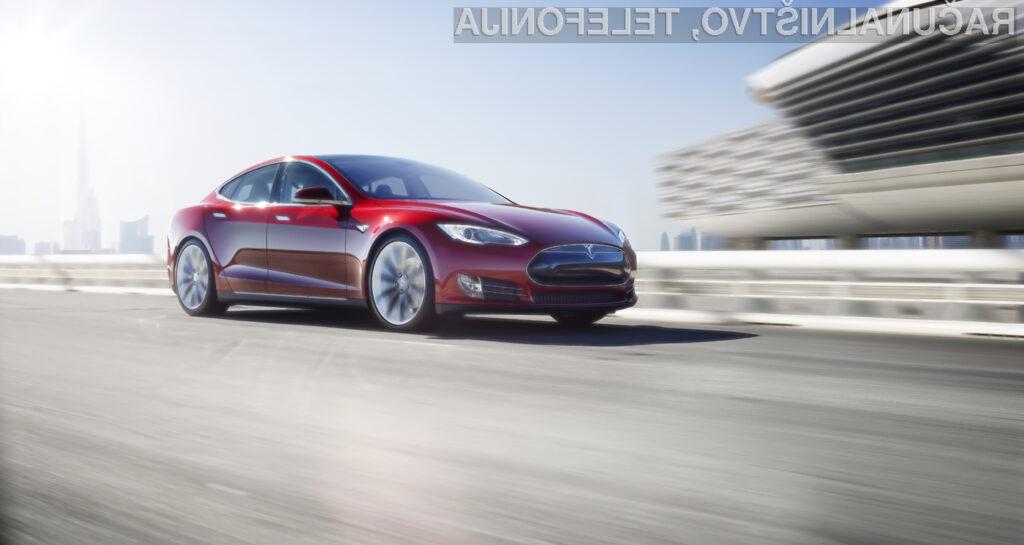 Tesla z lastnim procesorjem za avtomobilsko umetno inteligenco