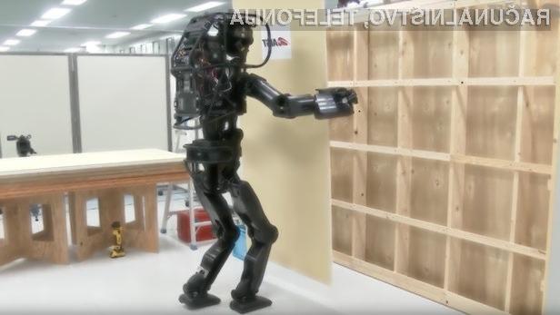 Gradbeni robot z oznako HRP-5P bo opravljal dela na mestih, ki so za človeka nevarna.