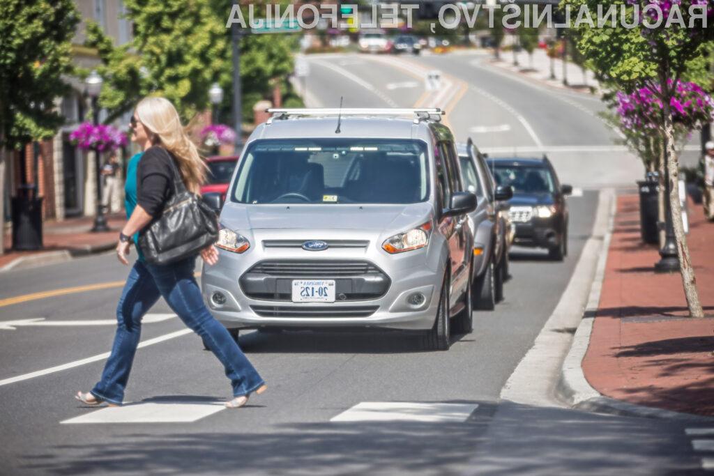 Pri podjetju Ford predlagajo, da bi za vsa avtonomna vozila uvedli univerzalen sistem sporočanja.