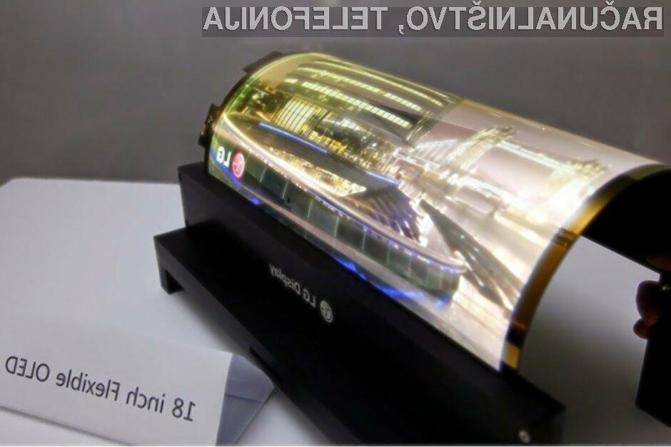 Prvi upogljiv tablični računalnik bi lahko bil naprodaj že v prihodnjih mesecih.