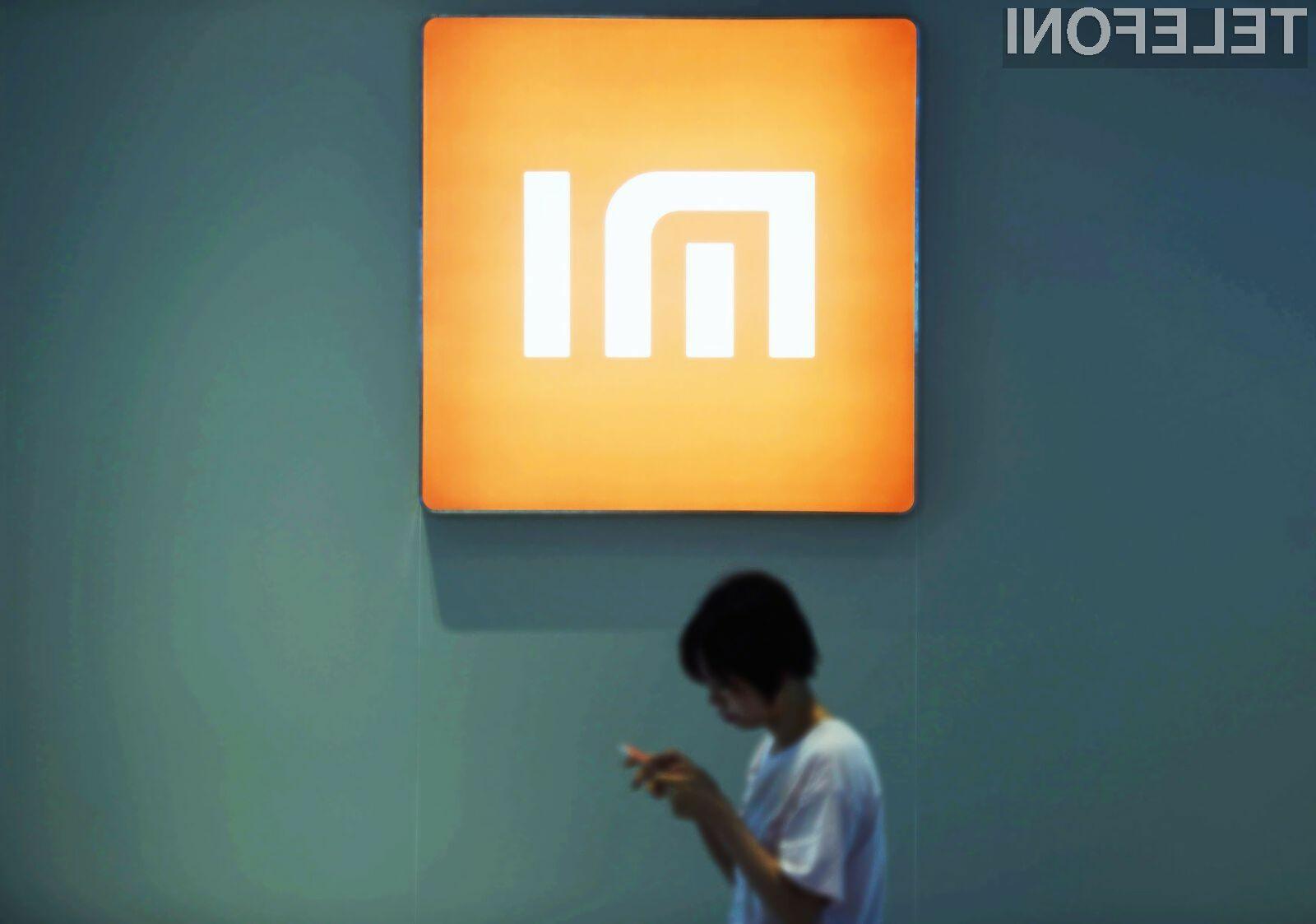 Kitajska podjetja naj bi v naslednjem letu ponudila v prodajo snow nekaj upogljivih mobilnih naprav.