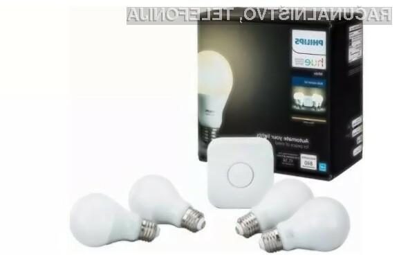 Komplet Philips Hue Starter Kit E26 bo poskrbel za to, da se bodo luči v našem domu samodejno vključile in izključile.
