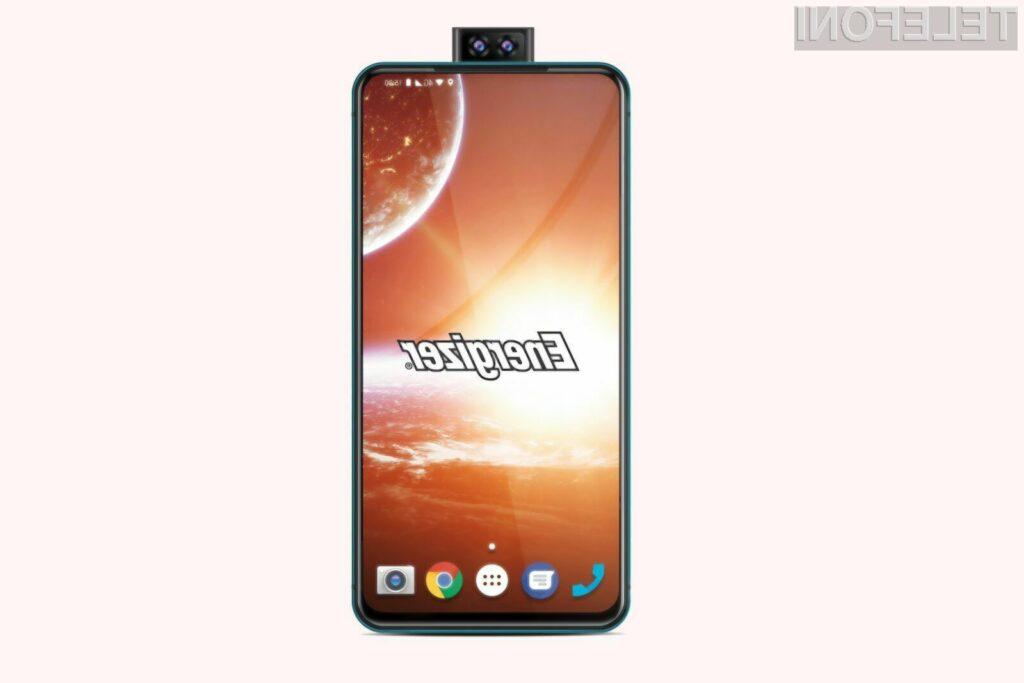 Telefon Energizer Power Max P18K Pop je opremljen z baterijo kapacitete 18.000 miliamper ur.