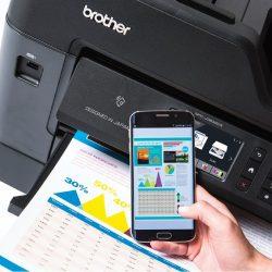 Brother vam z novimi storitvami in aplikacijami omogoča tiskanje brez računalnika in kablov