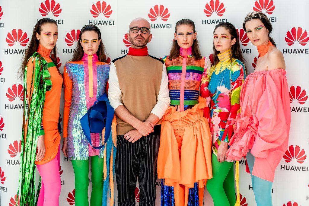 Huawei P30 Pro se je predstavil slovenski javnosti v družbi svetovno znanega modnega oblikovalca
