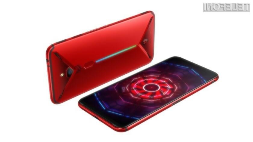 Pametni mobilni telefon Nubia Red Magic 3 ima za hlajenje strojnih komponent na voljo celo aktivni sistem ventilatorjev.