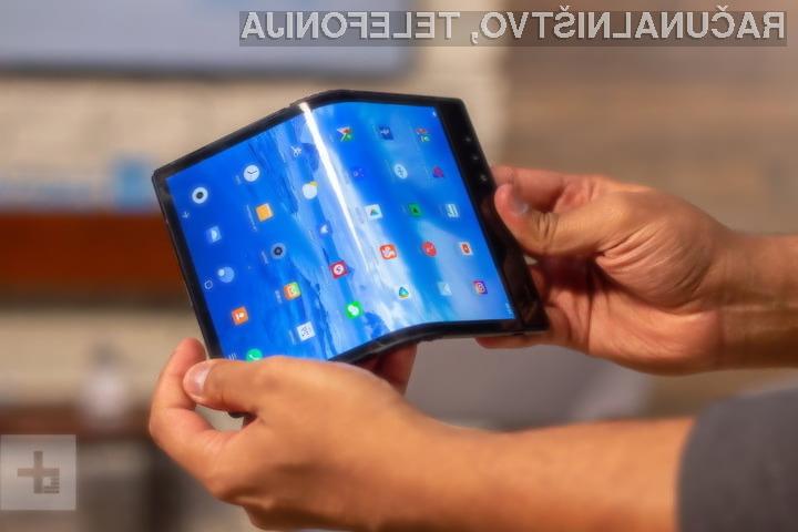 Google že razvija svoj upogljivi telefon Pixel