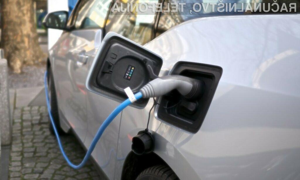 Že leta 2040 naj bi trgovcem skupno uspelo prodati za okoli 56 milijonov električni avtomobilov širom sveta.