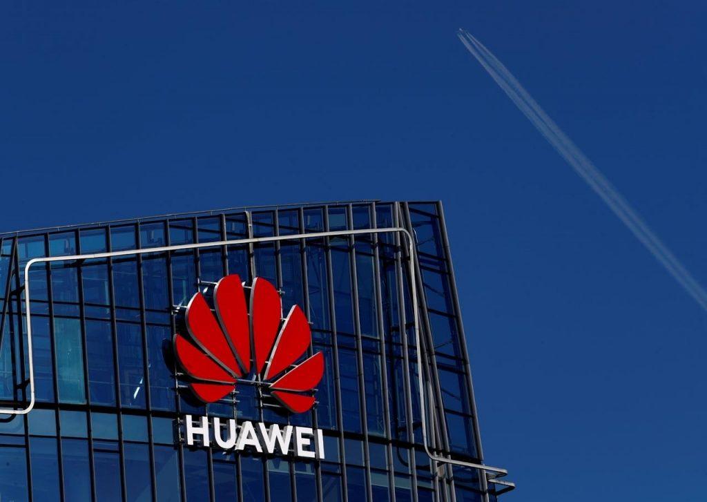 Ameriške sankcije proti Huaweiu: Kdo bo zmagal?