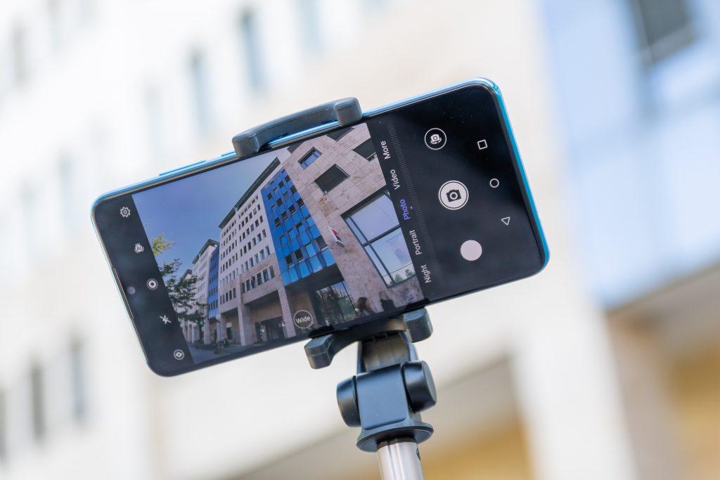 Impresivna umetna inteligenca telefona Huawei P30 lite