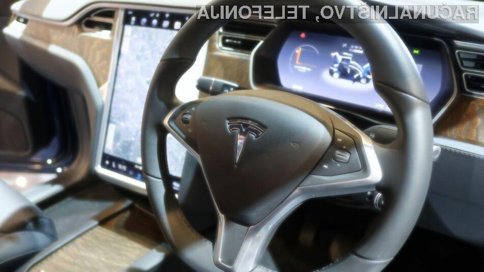 Elon Musk pravi, da bodo Tesle sčasoma podpirale zunanje aplikacije in igre