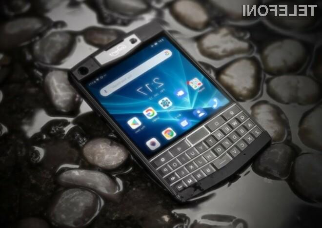 Pametni mobilni telefon Android s fizično tipkovnico je navdušil že marsikaterega uporabnika storitev mobilne telefonije.