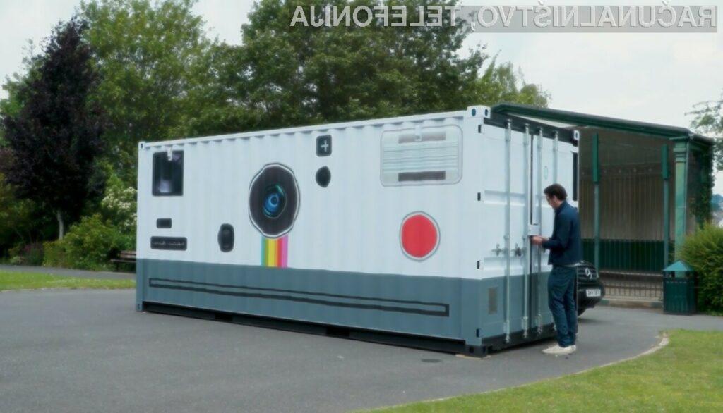 Največji fotoaparat na svetu je navdušil marsikaterega ljubitelja fotografije.