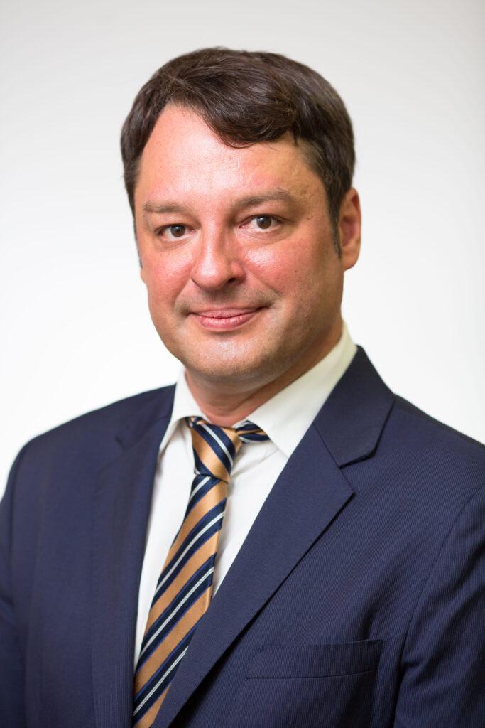 Jaka Repanšek, specialist za pravo in management medijev, komunikacij in digitalnega poslovanja