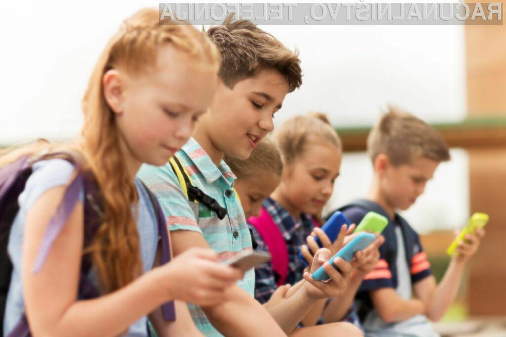 Več kot polovica staršev meni, da bi morali pametne mobilne telefone v šolah enostavno prepovedati.