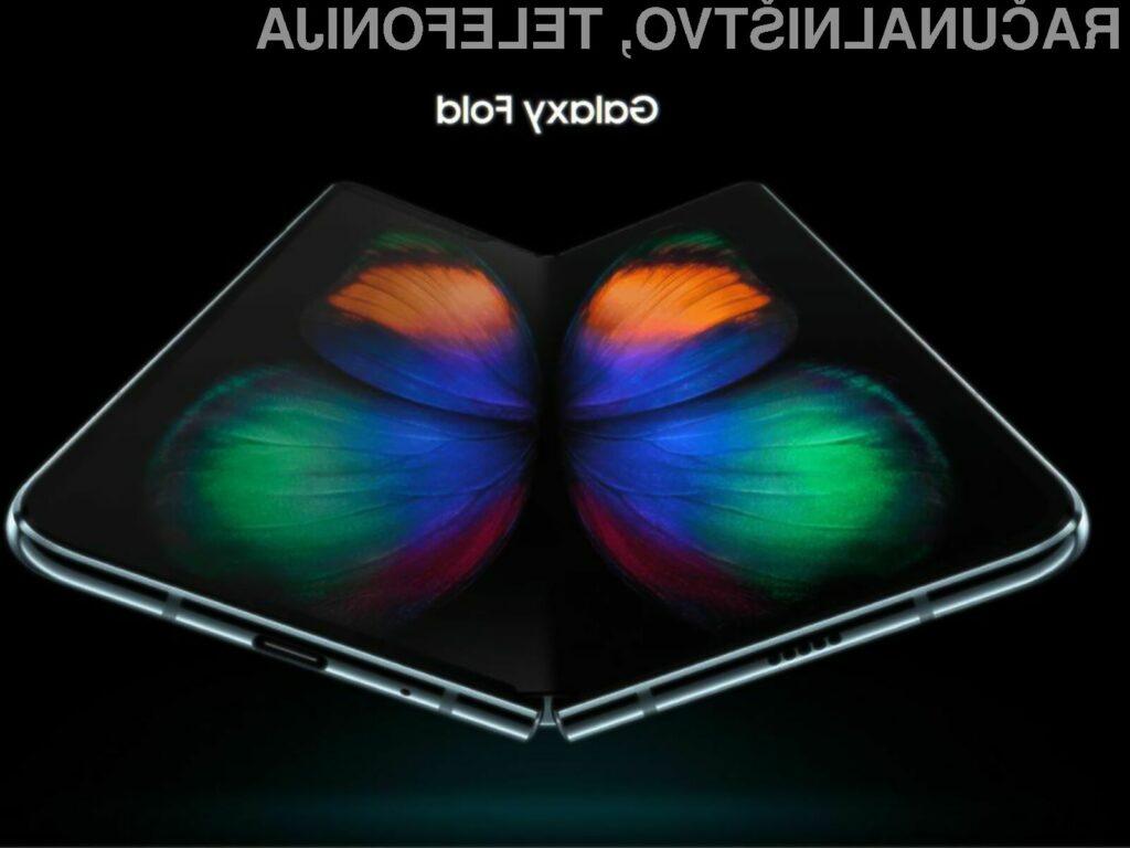 Če Samsung ne bo obupal nad prepogljivim telefonom, bo ta naprodaj šele v prvi polovici naslednjega leta.
