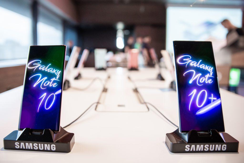 Serija Galaxy Note10 gre odlično v prodajo.