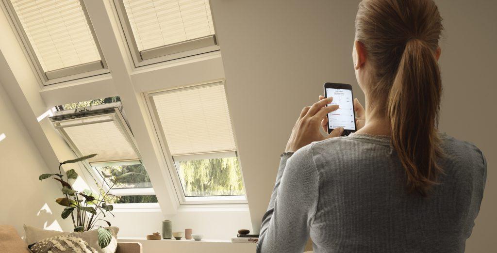 Danes lahko sodobna mansarda že povsem samodejno zagotavlja kakovosten notranji zrak. Foto: Velux