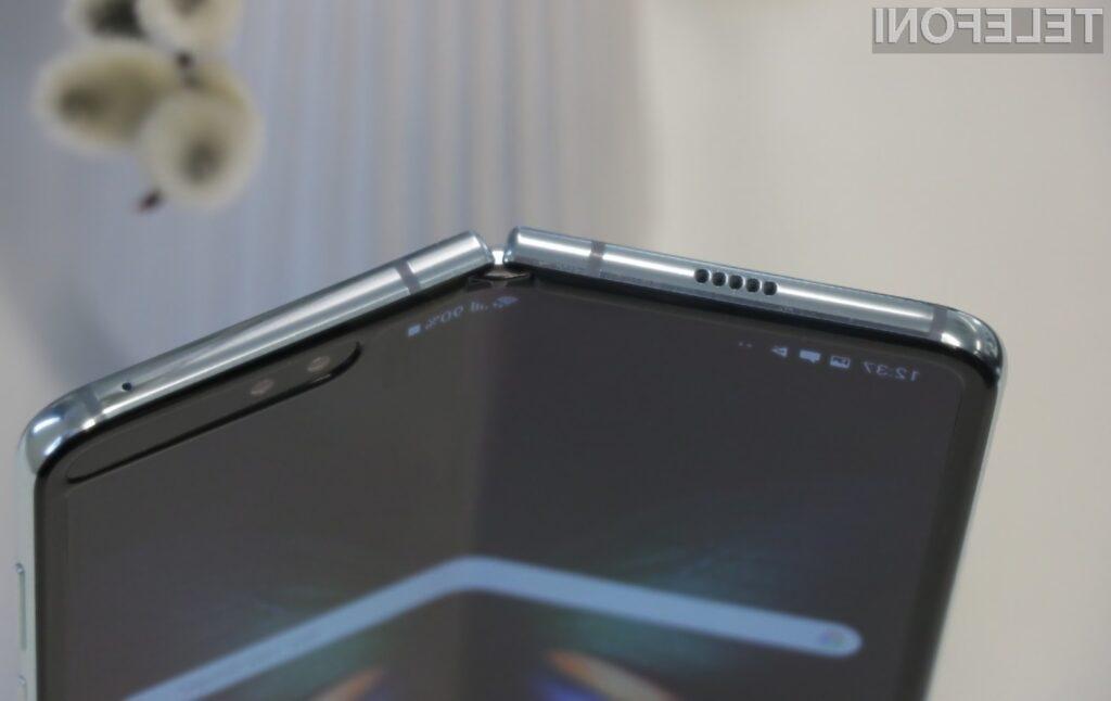 Prve poškodbe zaslona na telefonu Samsung Galaxy Fold se pojavijo že po 20 tisočih prepogibih.