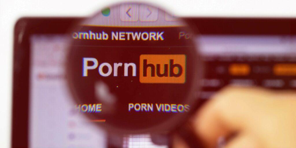 Pri Pornhubu niso za hitre odločitve