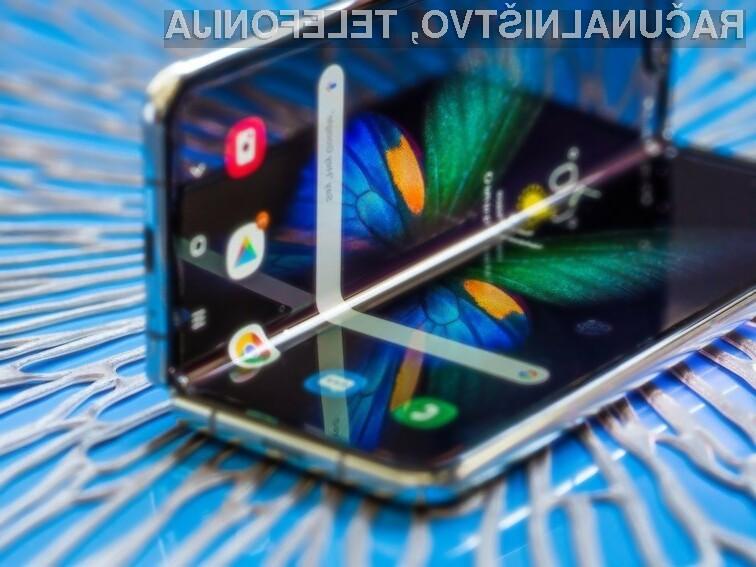 Pri podjetju Samsung načrtujejo, da jim bo v prihodnjem letu uspelo prodati med pet in šest milijonov prepogljivih pametnih mobilnih telefonov.