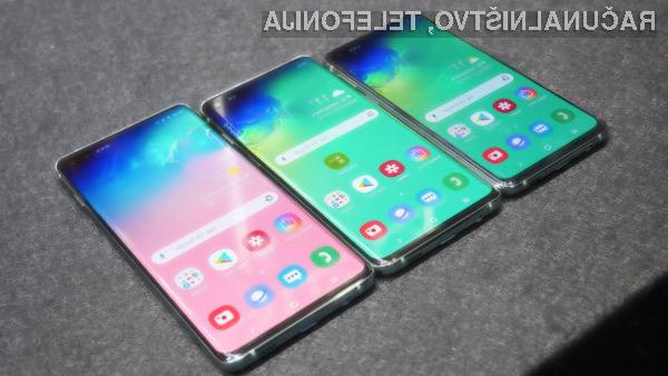 Android 10 se odlično prilega Samsungovim pametnim mobilnim telefonom Galaxy S10, Galaxy S10+ in Galaxy S10e.