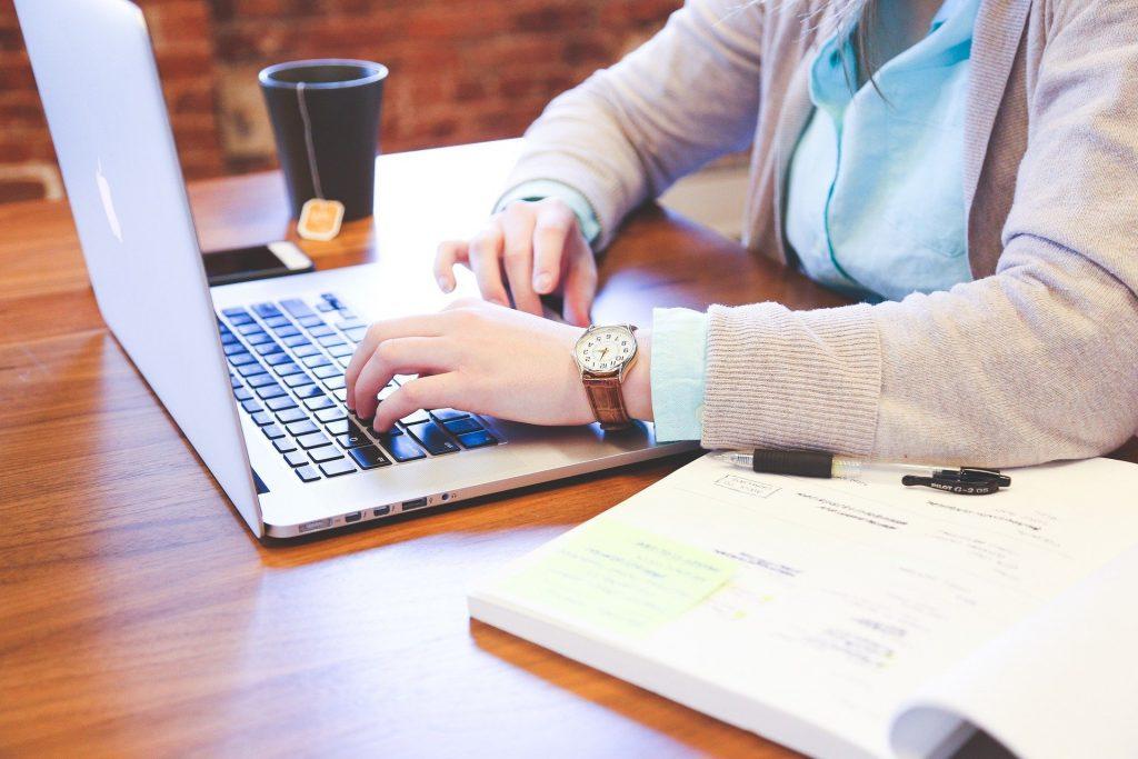 Upravljanje delodajalca z e-pošto zaposlenega