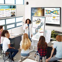 Z interaktivnimi zasloni na dotik je izobraževanje bolj učinkovito