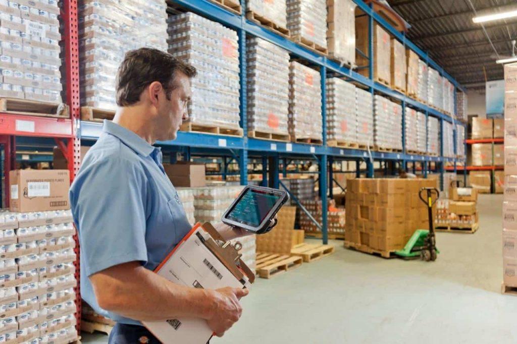 Ali resnično potrebujete robustni tablični računalnik za delo v skladišču?