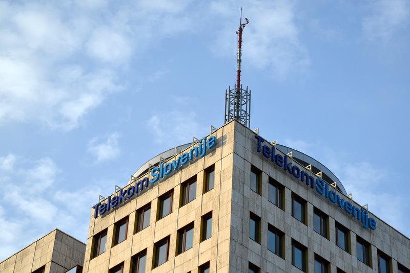 Uporabniki Telekoma Slovenije ob vrnitvi iz tujine prejmejo SMS, naj bodo pozorni na svoje zdravje