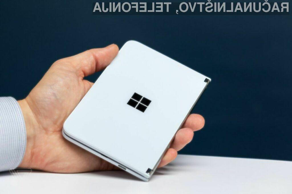 Telefon s tremi zasloni bi lahko odpravil težave z vzdržljivostjo prepogljivih naprav.
