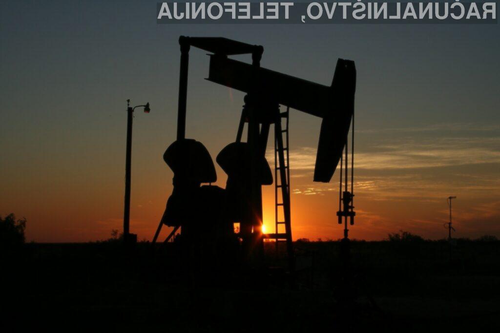 Z nafto trenutno trgujejo po negativni ceni.