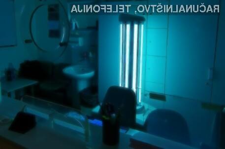 Robot, ki z UV-C svetlobo dezinficira prostor, zdaj tudi na Onkološkem inštitutu v Ljubljani.