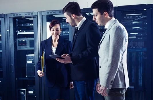 Schneider Electric in AVEVA s celovito rešitvijo za hyperscale podatkovne centre na več mestih