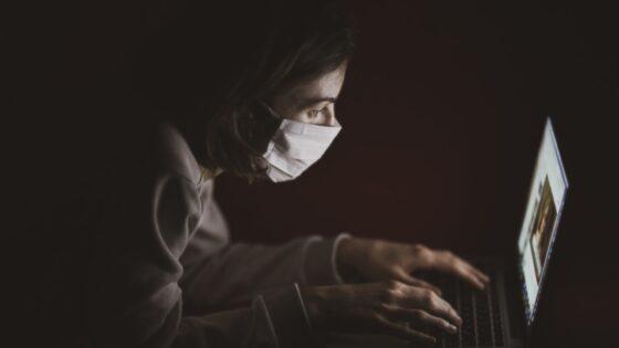 Zdaj tudi v Sloveniji na voljo aplikacija za spremljanje okužb s koronavirusom