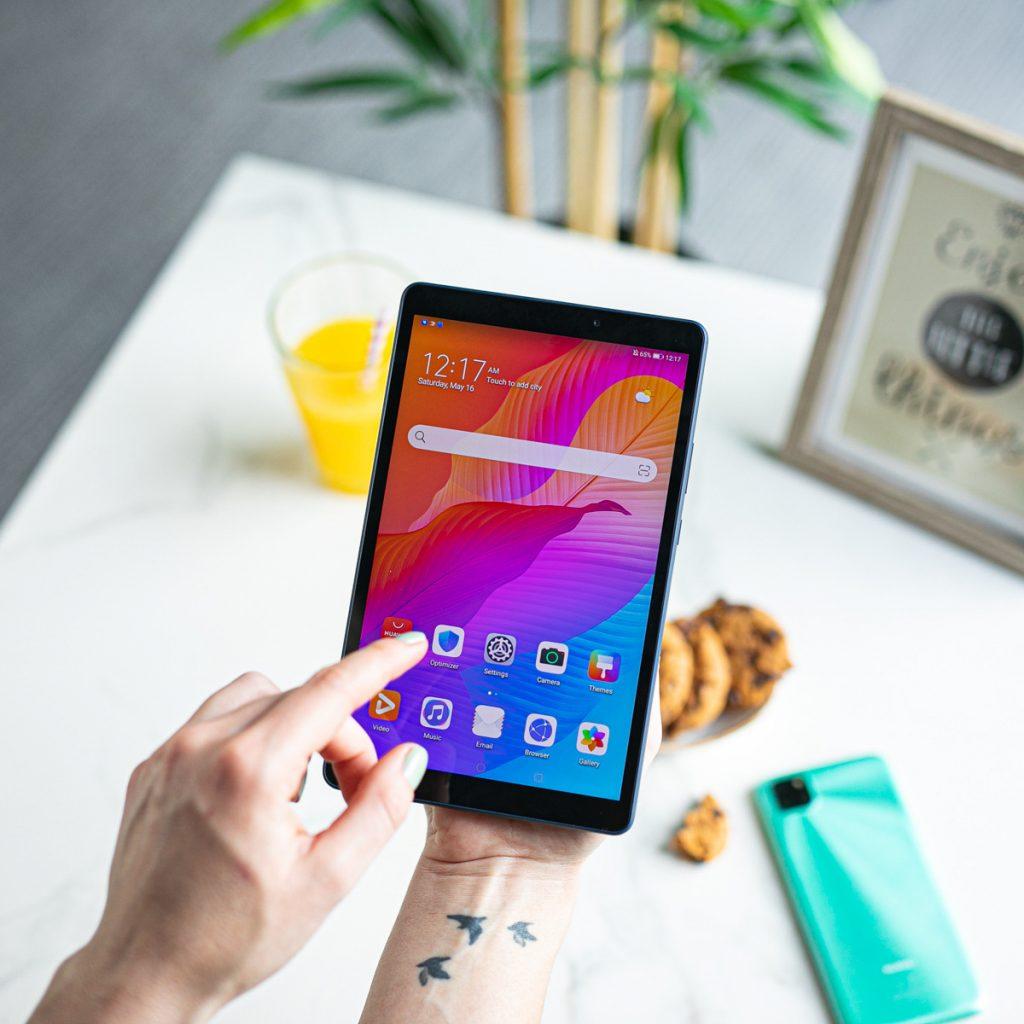 Huawei Y6p in MatePad T8 - tako je videti gola moč