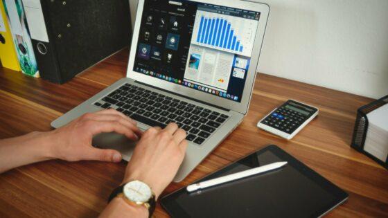 Prenosniki Apple MacBook Pro bodo kar leteli iz prodajnih polic