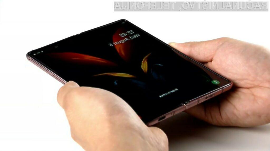 Samsung Galaxy Z Fold 2 navdušuje v vseh pogledih!